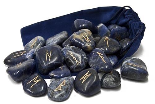 Rune in sodalite