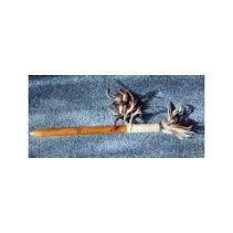 Verga con legno e piume
